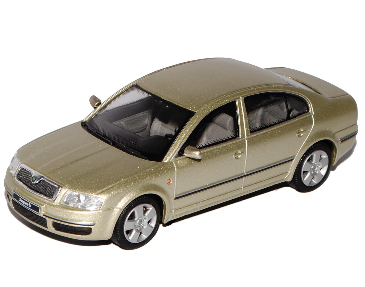 Skoda Superb I Limousine Sahara Beige Metallic 003Y 2001-2008 1//43 Abrex Model..