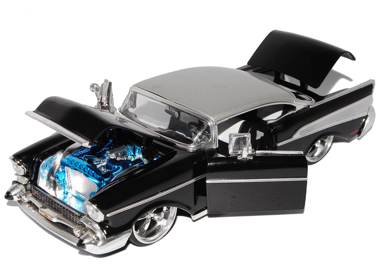 Articoli Speciali CHEVROLET BEL AIR COUPE NERO 1//24 Jada modello auto con o OH...