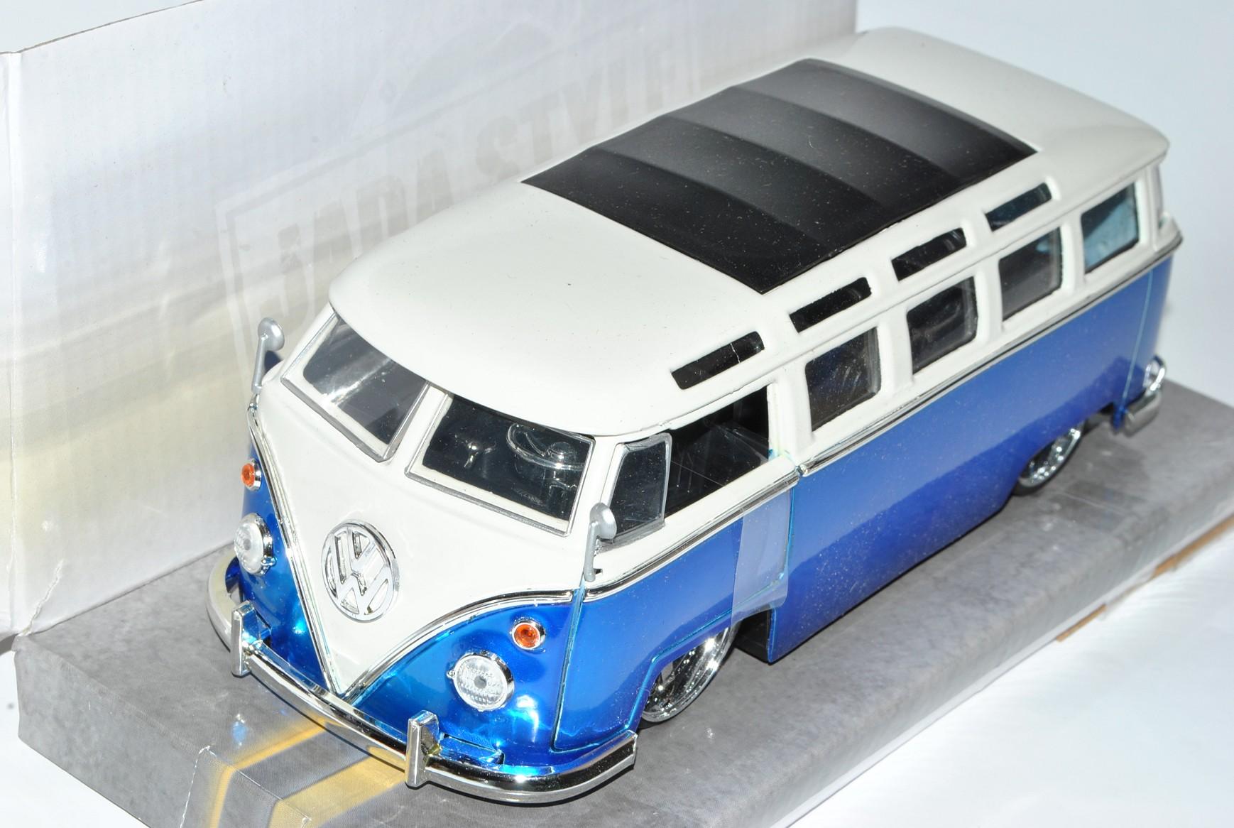 VW Volkswagen T1 Bus Blau mit Weiss Samba Bully Bus 1950-1967 1//24 Jada Modell..