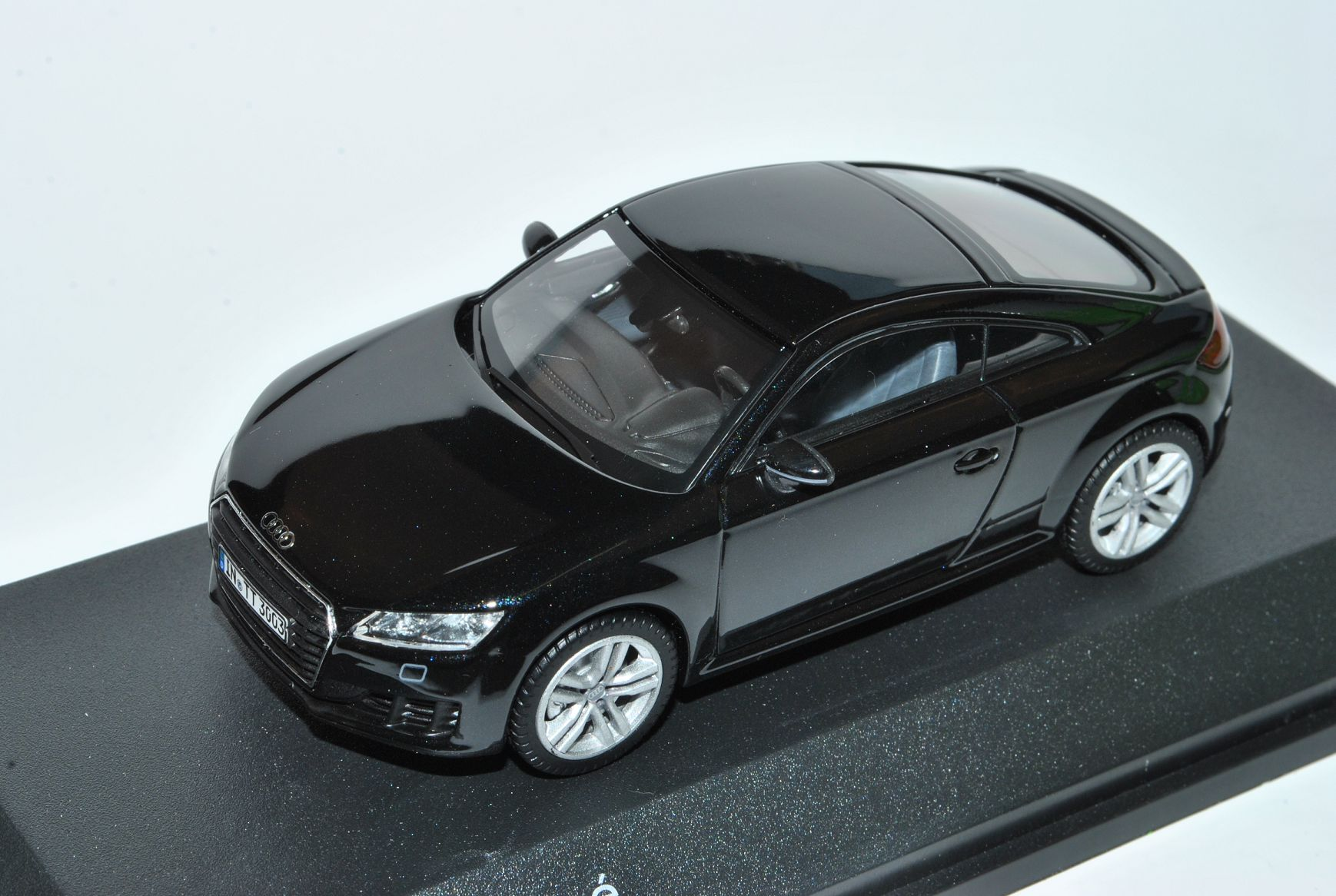 Generation Ab 2014 1//43 Kyosho Modell Auto mit ode.. Audi TT 8S Coupe Schwarz 3