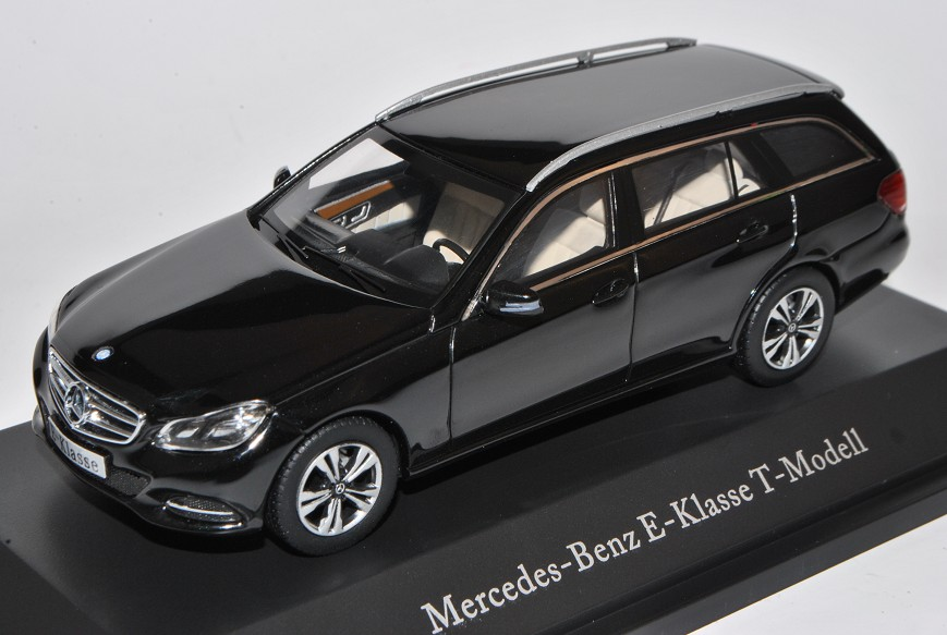 Mercedes-Benz E-Klasse Kombi T-Modell Obsidian Schwarz W212 S212 Ab Facelift 2..