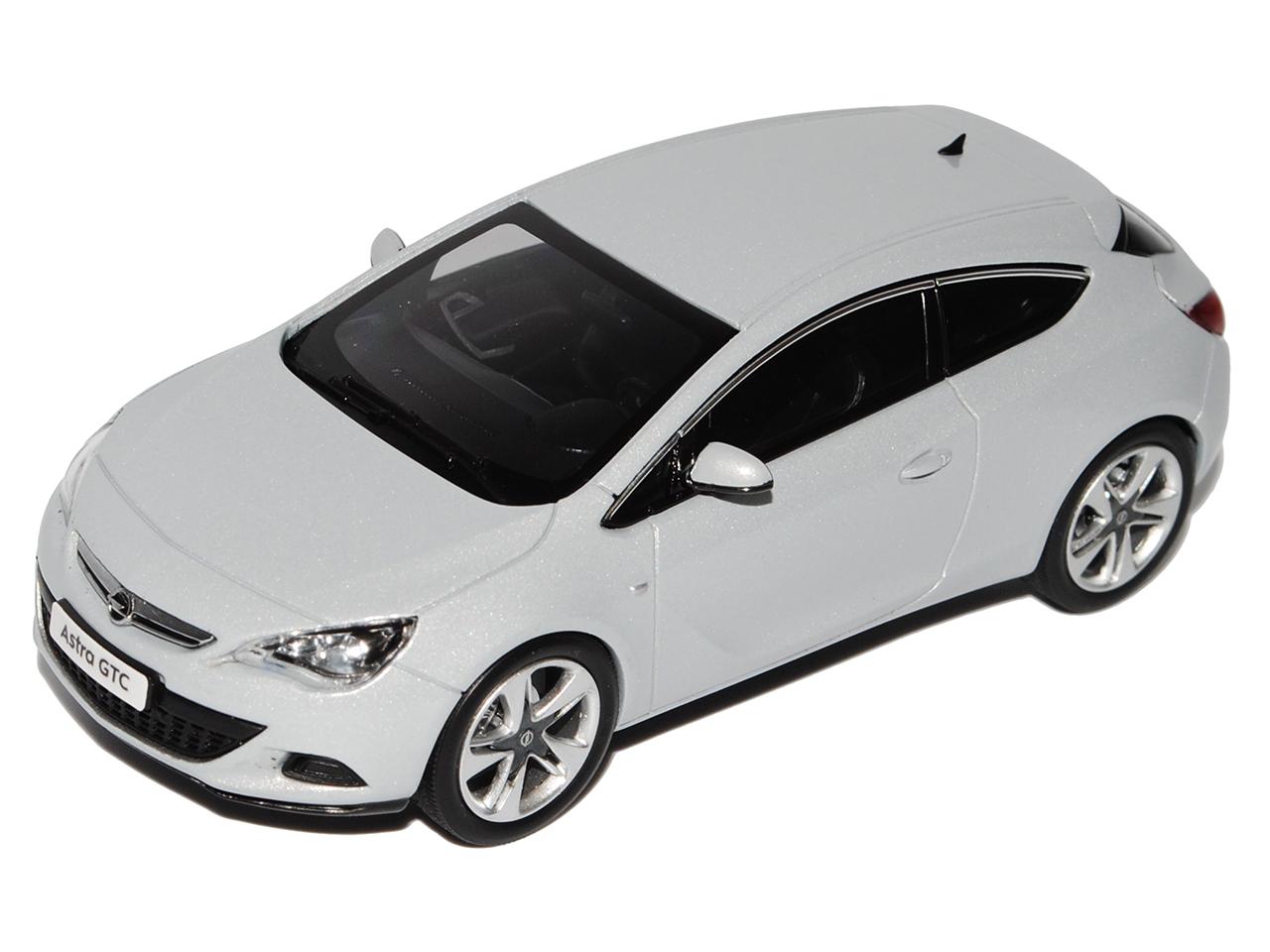 OPEL ASTRA GTC J a partire dal 2009 COUPE minerale bianco argento 1//43 Motorart modello auto...