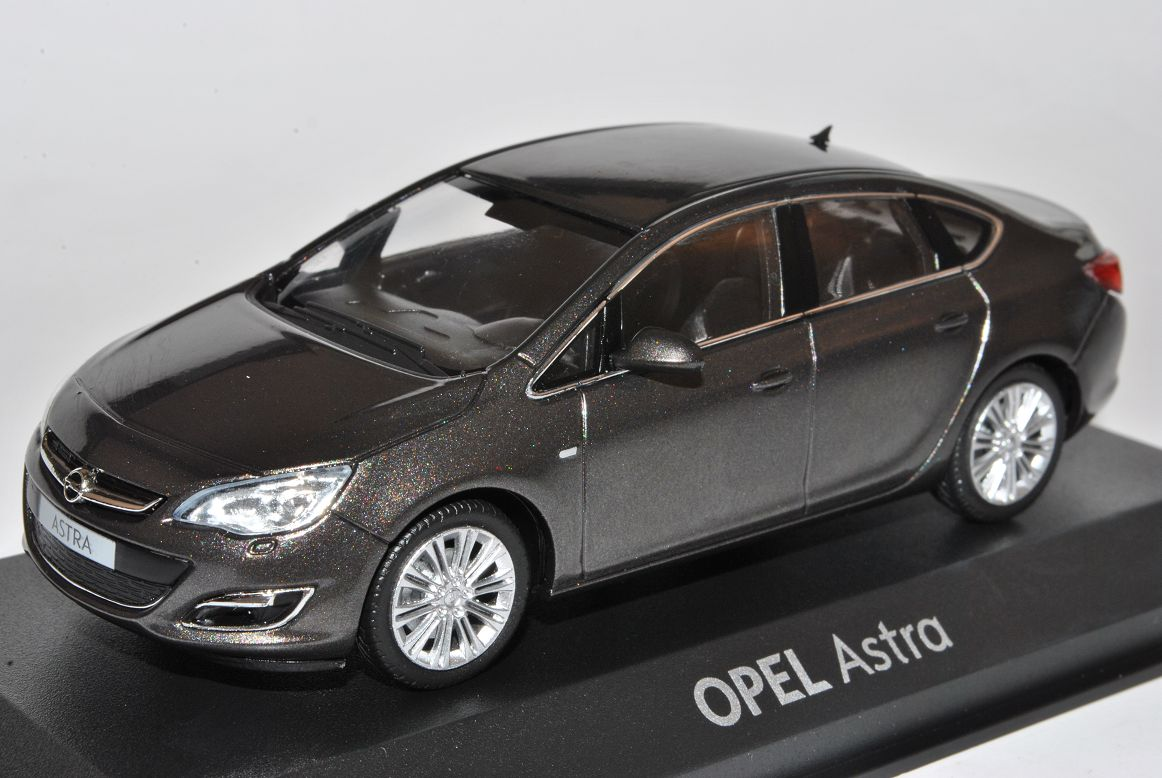 opel astra j limousine grau ab 2012 1 43 minichamps modell auto ebay. Black Bedroom Furniture Sets. Home Design Ideas