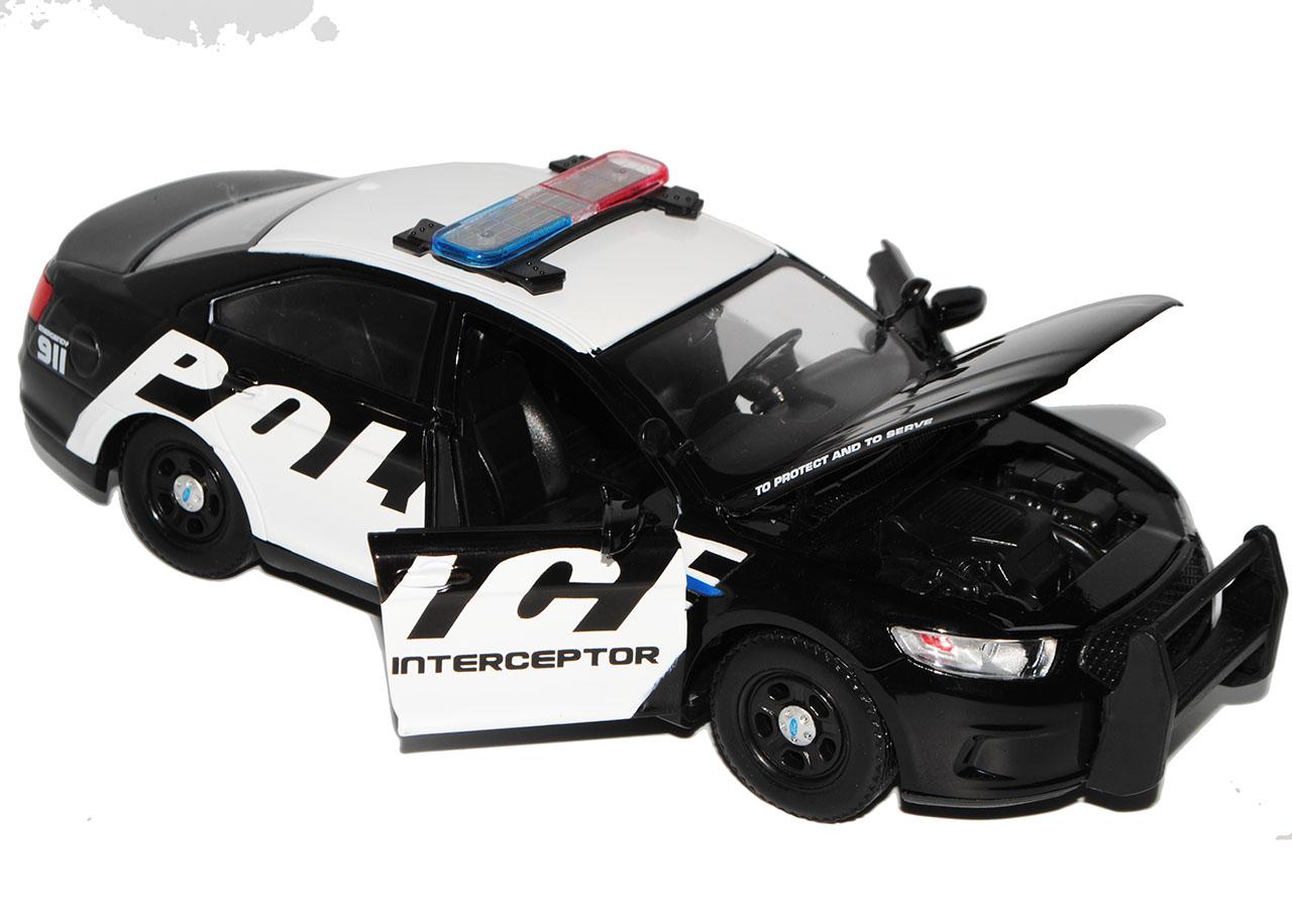 Ford Intercepteur Police Police berline 2013 1//24 Motormax Modèle Voiture Avec O..