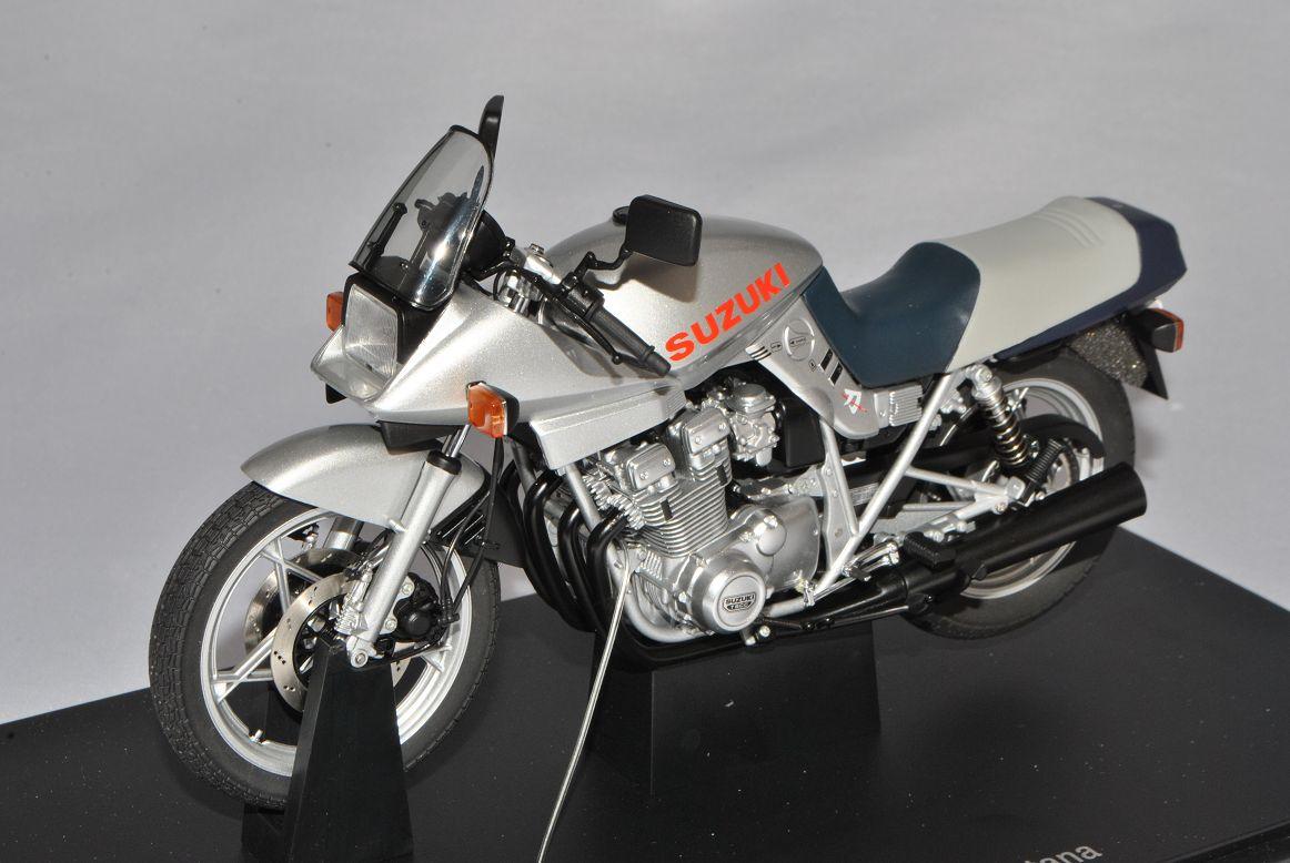 Suzuki GSX 1100s katana katana katana plata 12151 1 10 Autoart modelo moto con o sin... 8a77e9