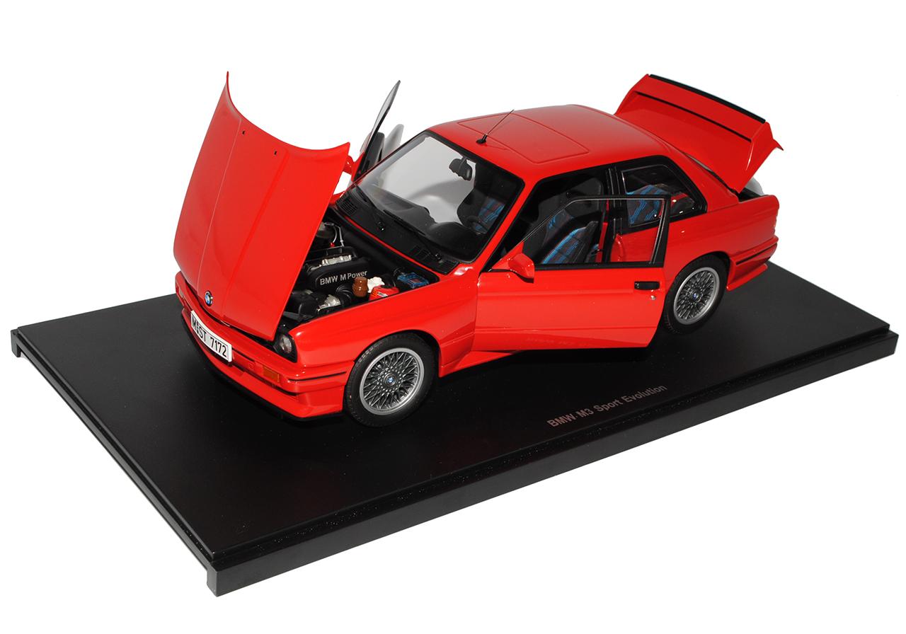 BMW-M3-3er-E30-Coupe-Rot-Sport-Evolution-1982-1994-70561-1-18-AutoArt-Modell-A miniatuur 6