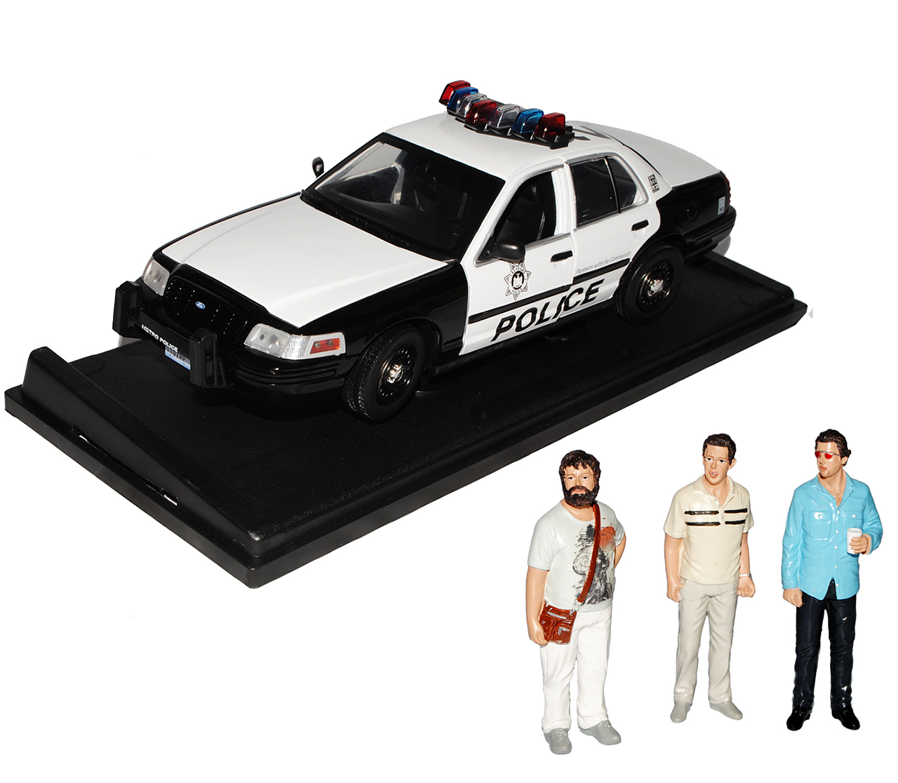 ford crown victoria police interceptor the hangover 2009 mit 3 figuren 1  18 gr
