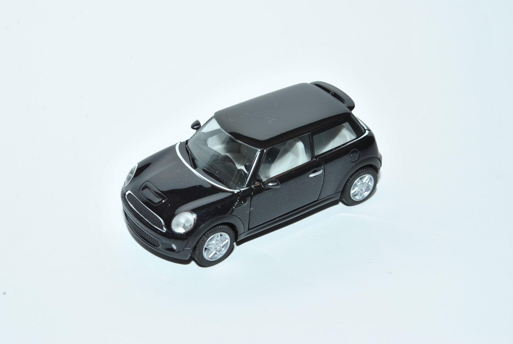 Mini-Cooper-F56-Schwarz-3-Tuerer-3-Generation-Ab-2014-H0-1-87-Herpa-Modell-Aut