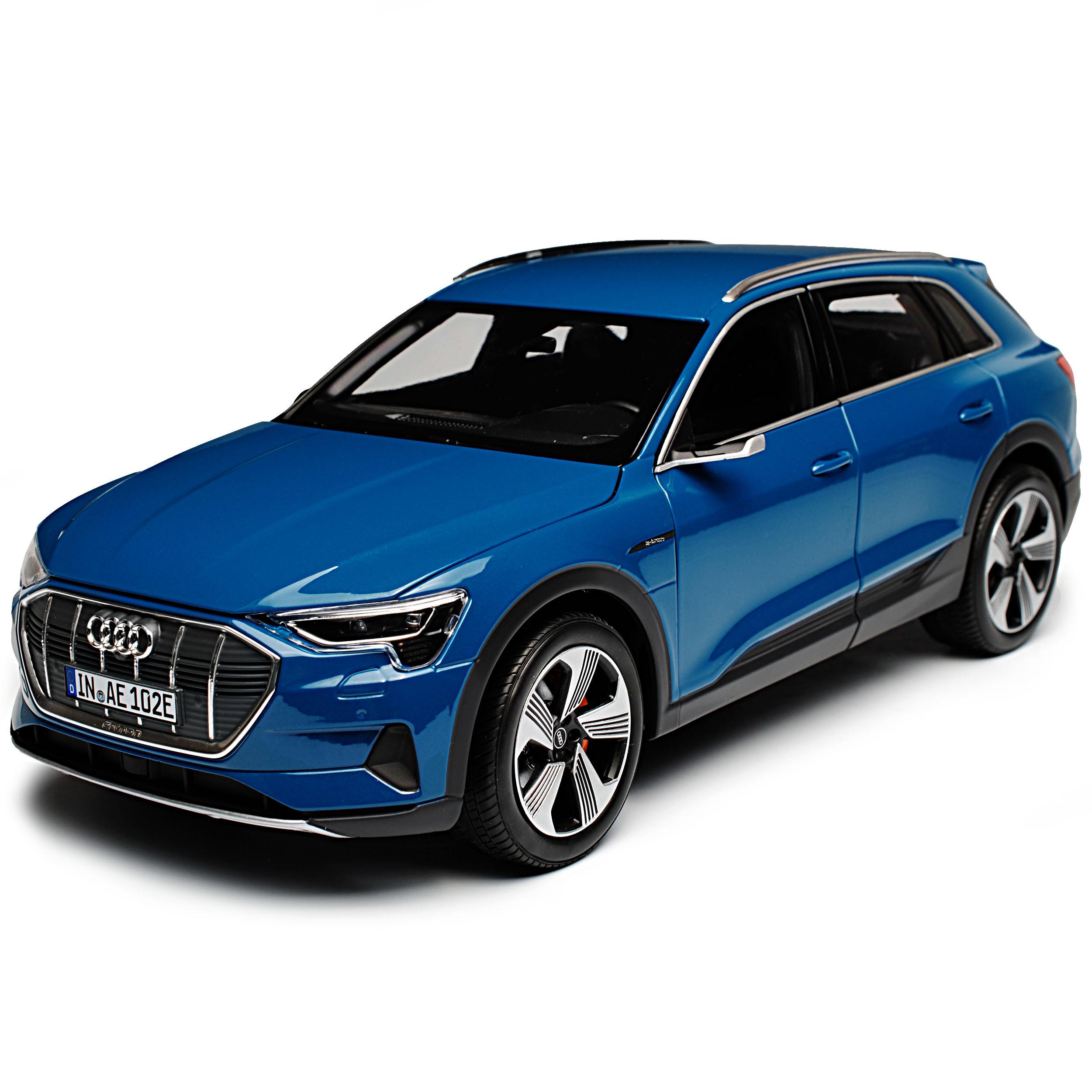 Audi e-tron 1:18 Antiguablau 5011820651 Modellauto Miniatur Norev Blau