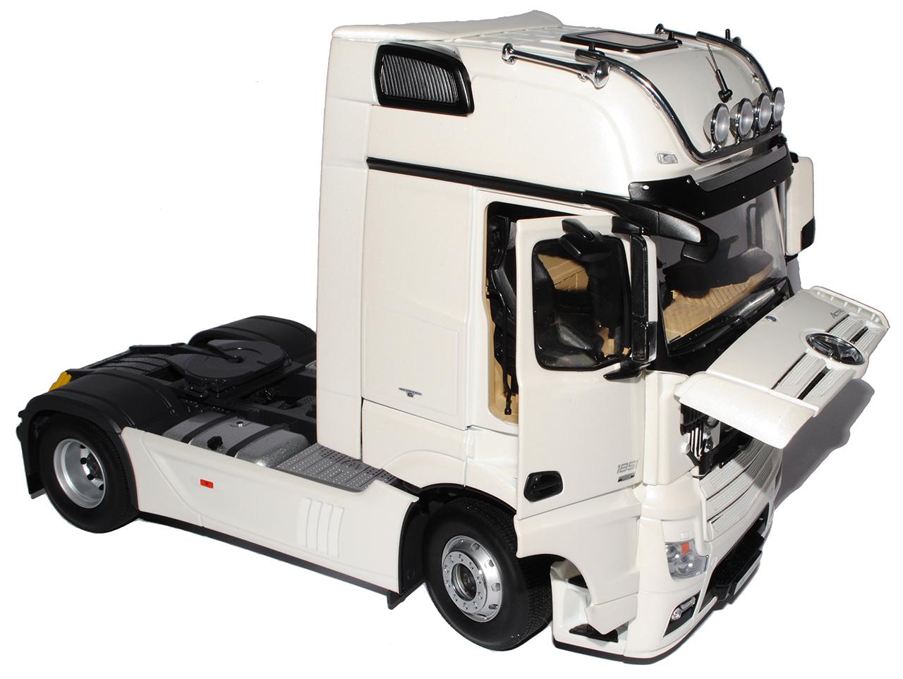 Mercedes-Benz Actros Actros Actros 2 GigaSpace 4 x 2 blanco FH25 B66006402 NZG 1 18 modelos coches... a9d26a